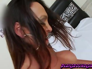 Brunette tranny babe Anna Hickhiman having a blast