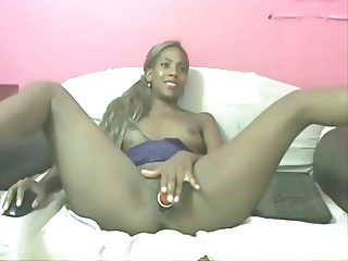Dark-skinned Colombian is playing with her cunt & asshole