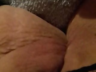 Slut Milf Chantal fingering her cunt for me on video
