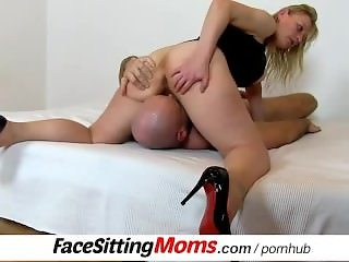 Czech housewife Gabina pussy licking and facesitting ftv