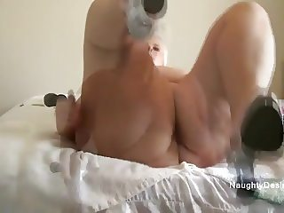 Caught her squirting in private