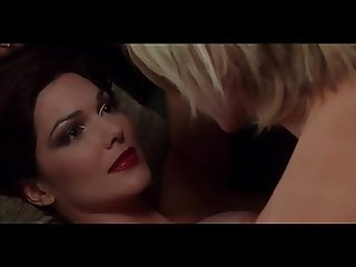 Laura Harring Naomi Watts in Mulholland Dr.
