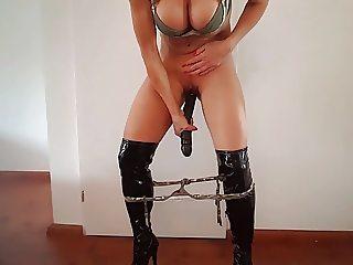 Dutch mom MILF Lisa mastrubating 7