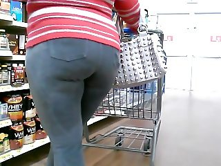 Thick Mature Red-Bone in Tight Ass Jeans!