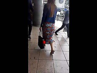 Turkish young girl's jiggle ass