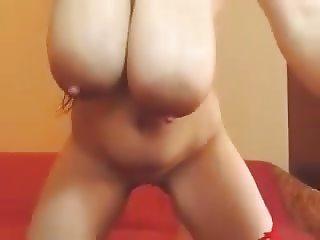 A Primer - Big natural tits saggy, bouncing and masturbating