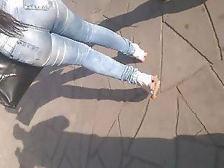 #MORENA cavalona rabuda deliciosa jeans colado 5