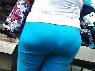 Very big ass milf in blue spandex