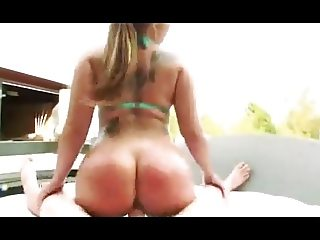 Anal Riding in the Pool