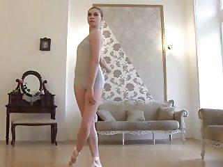 INSTA: grumpy ballerina
