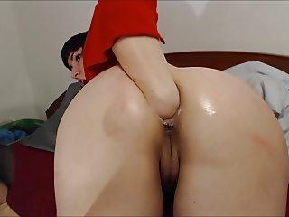 Fantastic german plumper fisting her ass