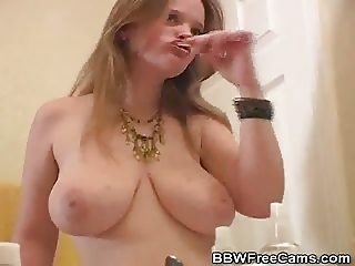 Exciting Tease From BBW Kissy