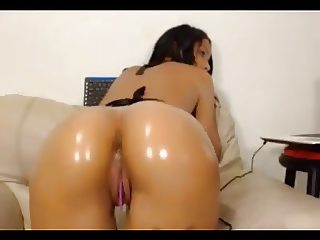 Columbian oiled up jiggly donk in oh mi bod mode