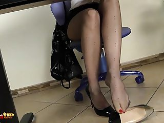 Redhead in pantyhose masturbates with her magic wand