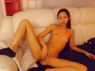 sexy asian girl dancing