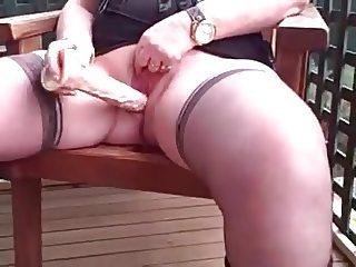 MILF masturbate and pee