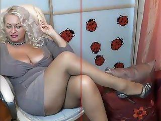 mature pantyjose cam