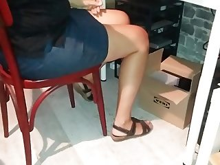 Upskirt and masturb close to a girl  ...