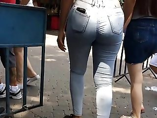 Bubble butt in tight jeans follow