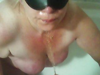 bbw mature piss