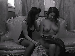 Vintage lesbian porn with Valentina Nappi
